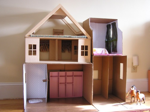 our favourite things to do with a cardboard box
